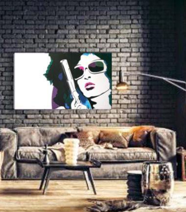 картина графика жена пистолет
