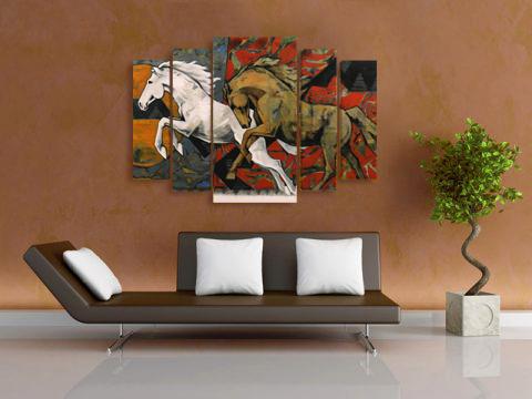 картини галопиращи коне